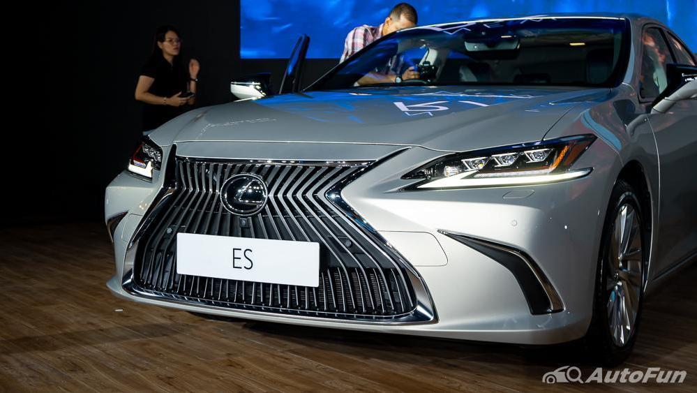 Lexus ES 2019 Exterior 021