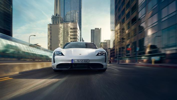 2021 Porsche Taycan Exterior 008