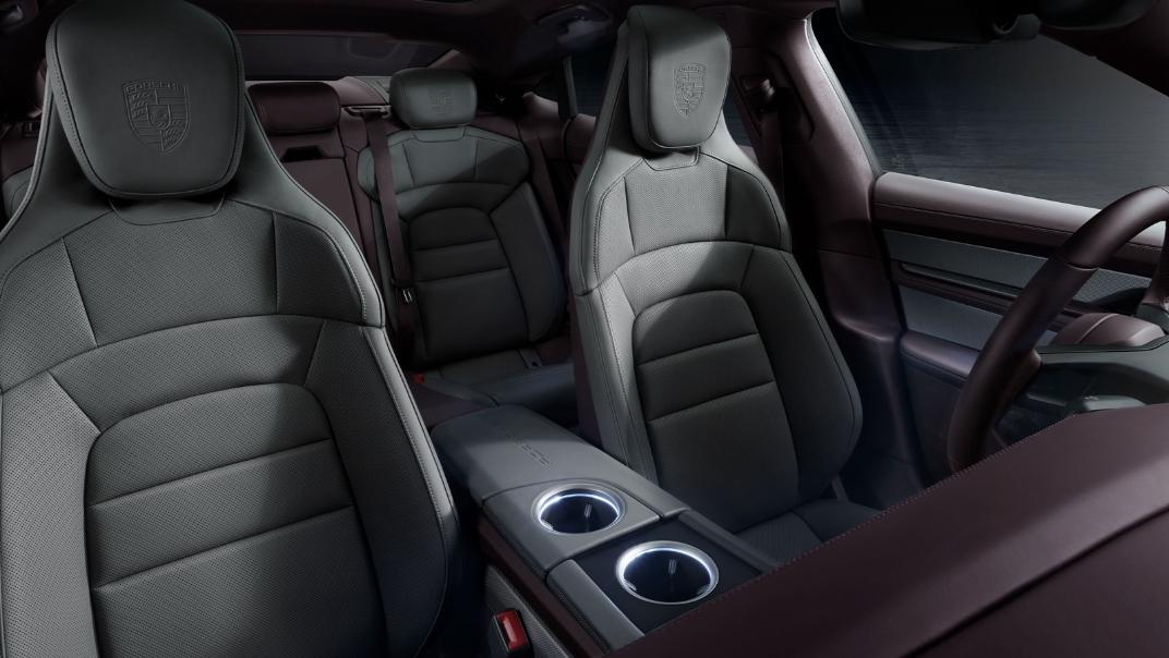 2021 Porsche Taycan Interior 003