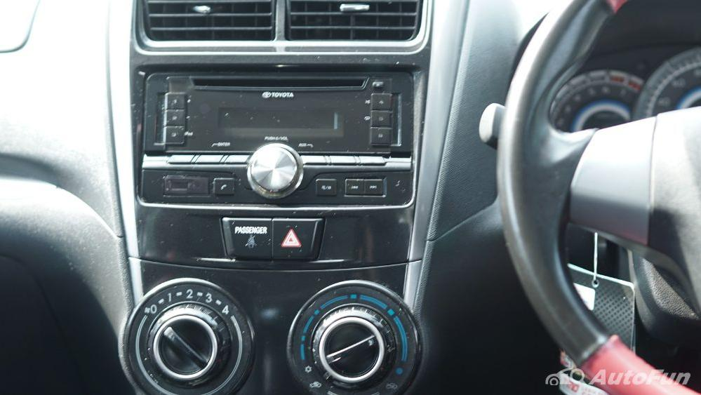 Toyota Avanza Veloz 1.3 MT Interior 016