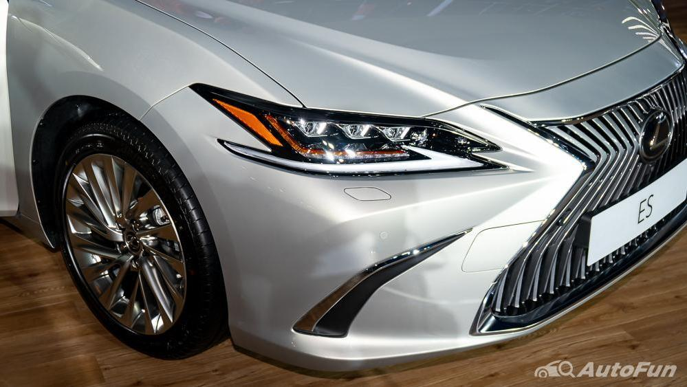 Lexus ES 2019 Exterior 020