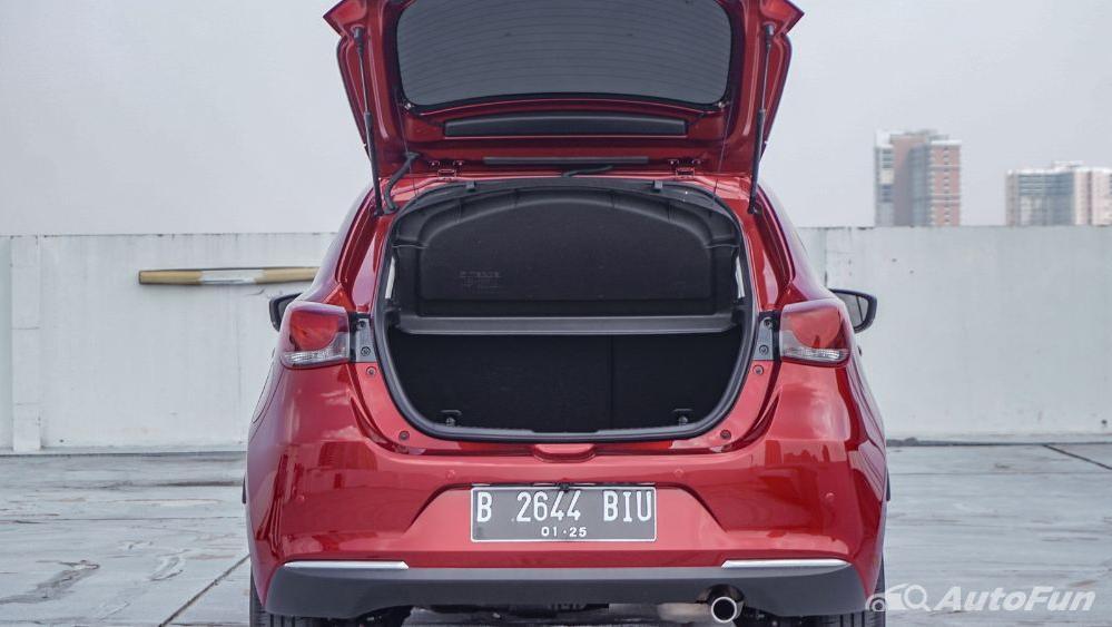 Mazda 2 GT AT Interior 071