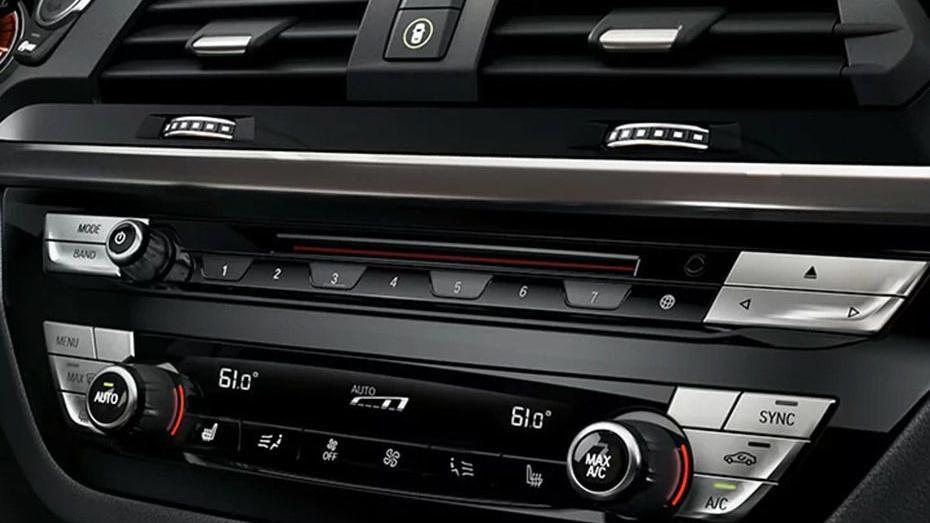 BMW X3 2019 Interior 005