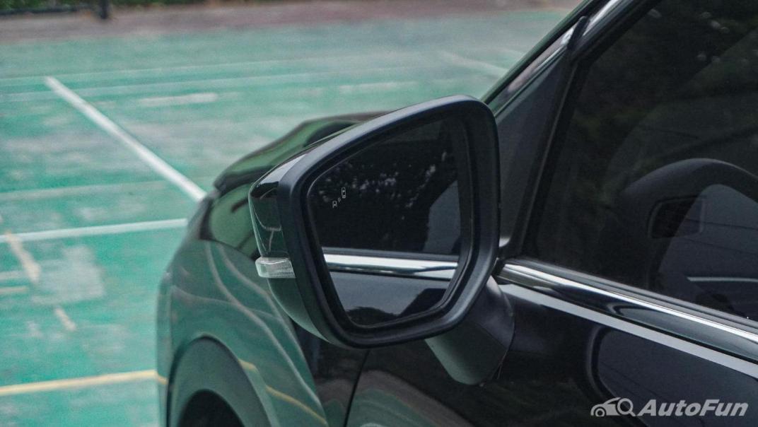 Mitsubishi Eclipse Cross 1.5L Exterior 052
