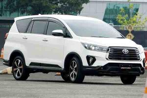 Ingin Beli Toyota Innova Venturer 2021 Secara Kredit, Segini Gaji Minimum yang Disyaratkan
