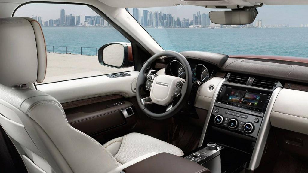 Land Rover Discovery 2019 Interior 001