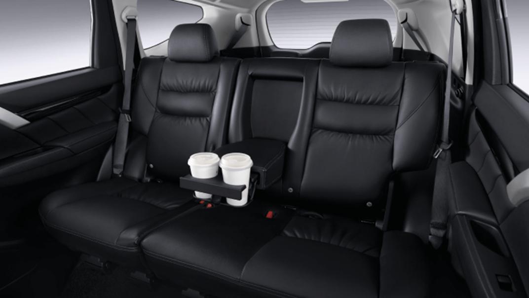 2021 Mitsubishi Pajero Sport Interior 011