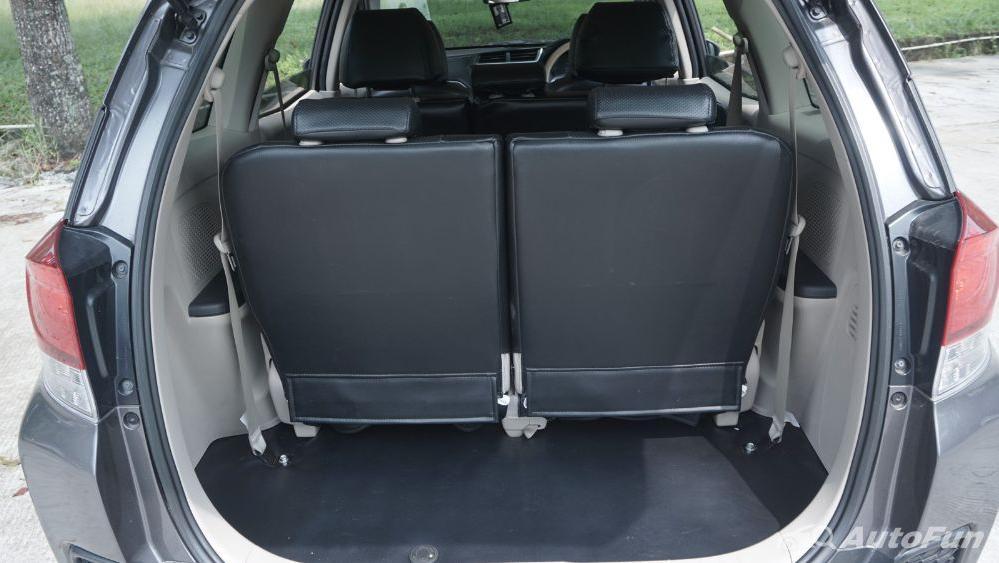 Honda Mobilio E CVT Interior 035