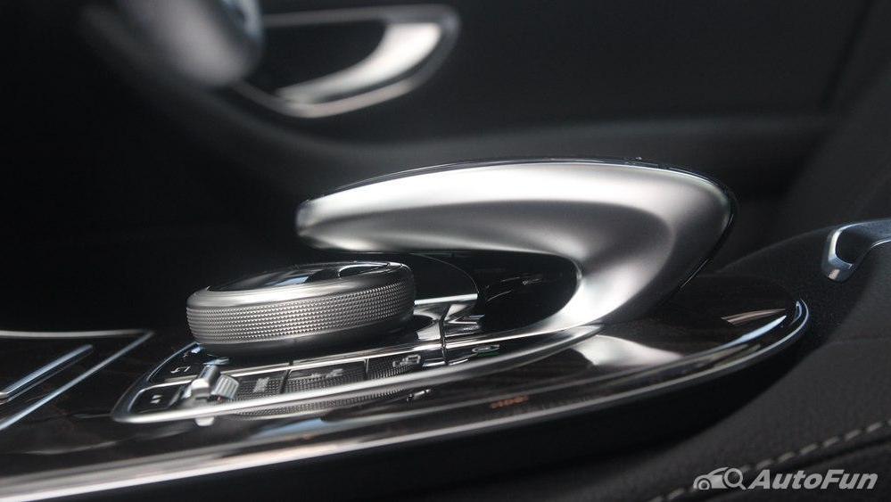 Mercedes-Benz E-Class 2019 Interior 022