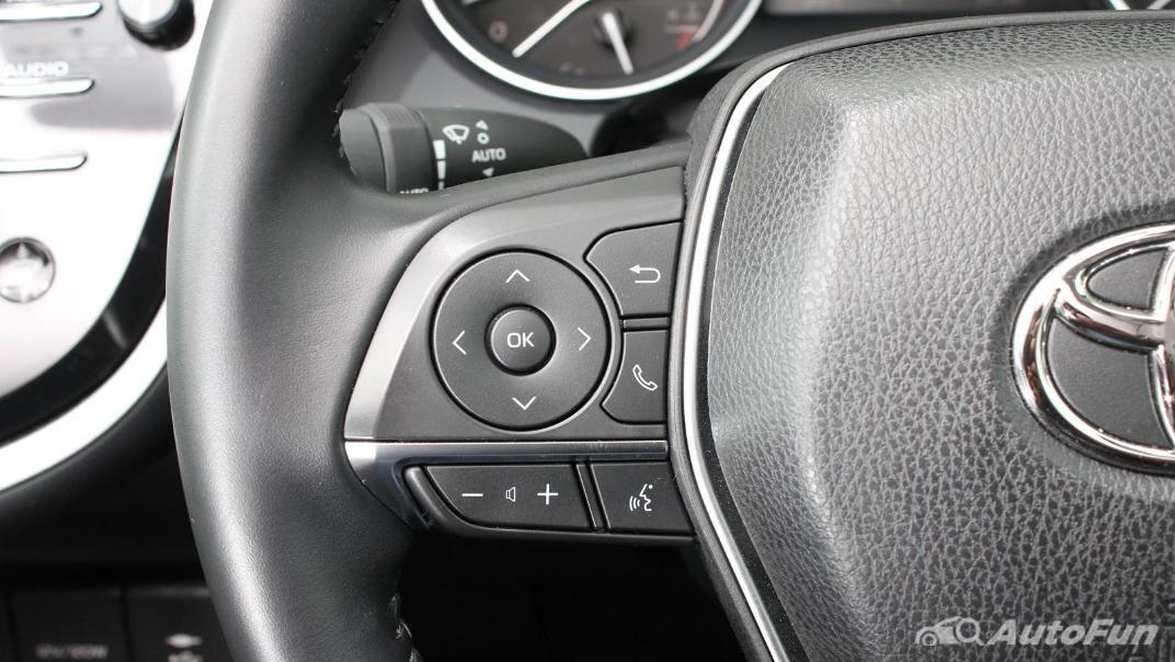 Toyota Camry 2019 Interior 044