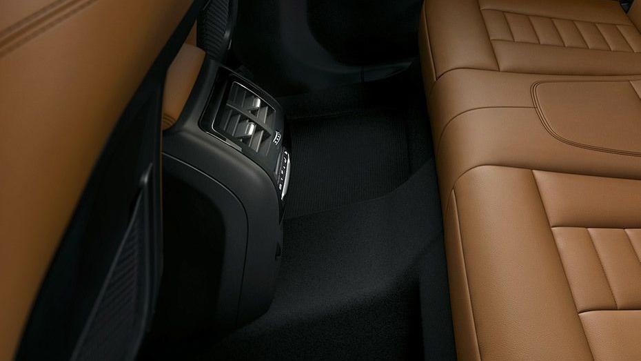 BMW X3 2019 Interior 011