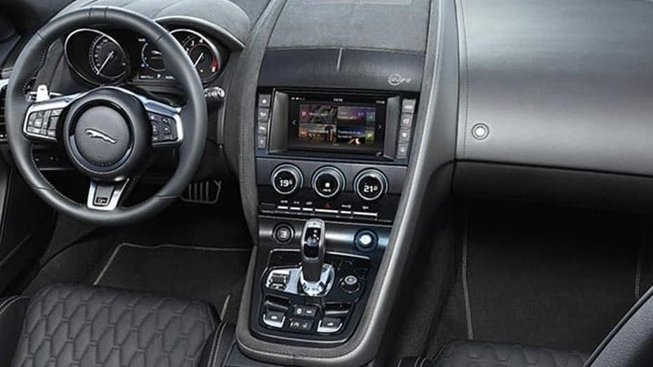 Jaguar F-TYPE 2019 Interior 005