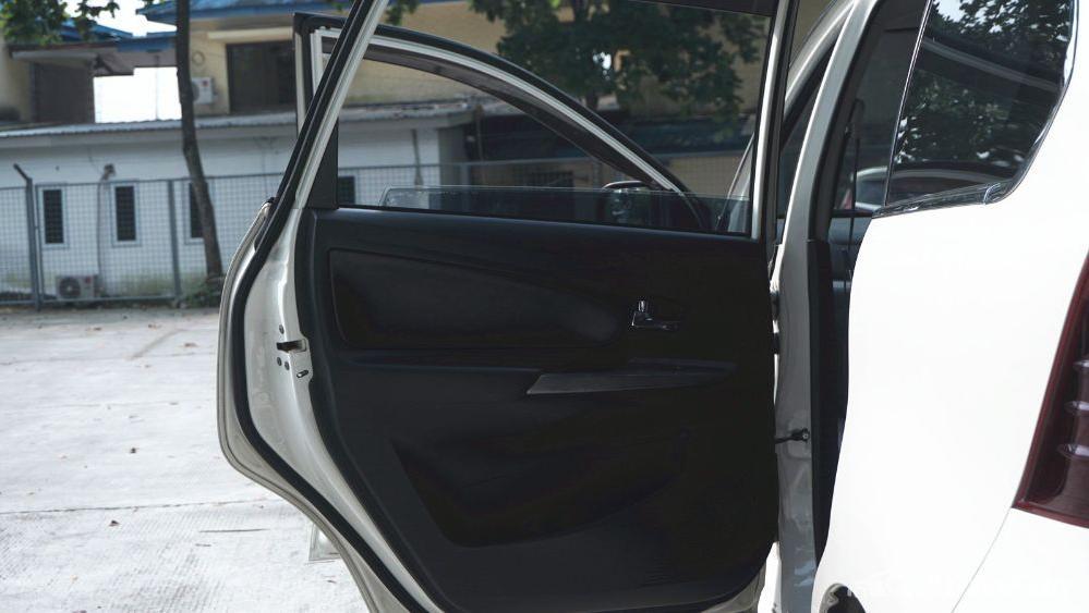 Toyota Avanza Veloz 1.3 MT Interior 032