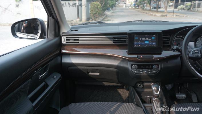 Suzuki Ertiga Sport AT Interior 004