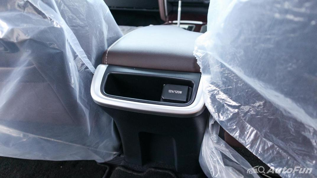 Toyota Fortuner 2019 Interior 027
