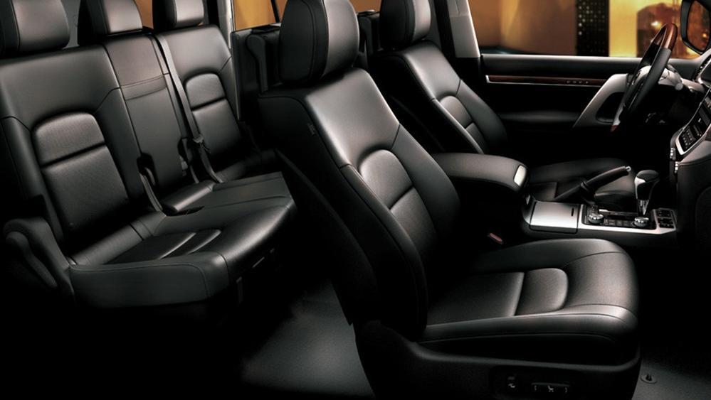 Toyota Land Cruiser 2019 Interior 007