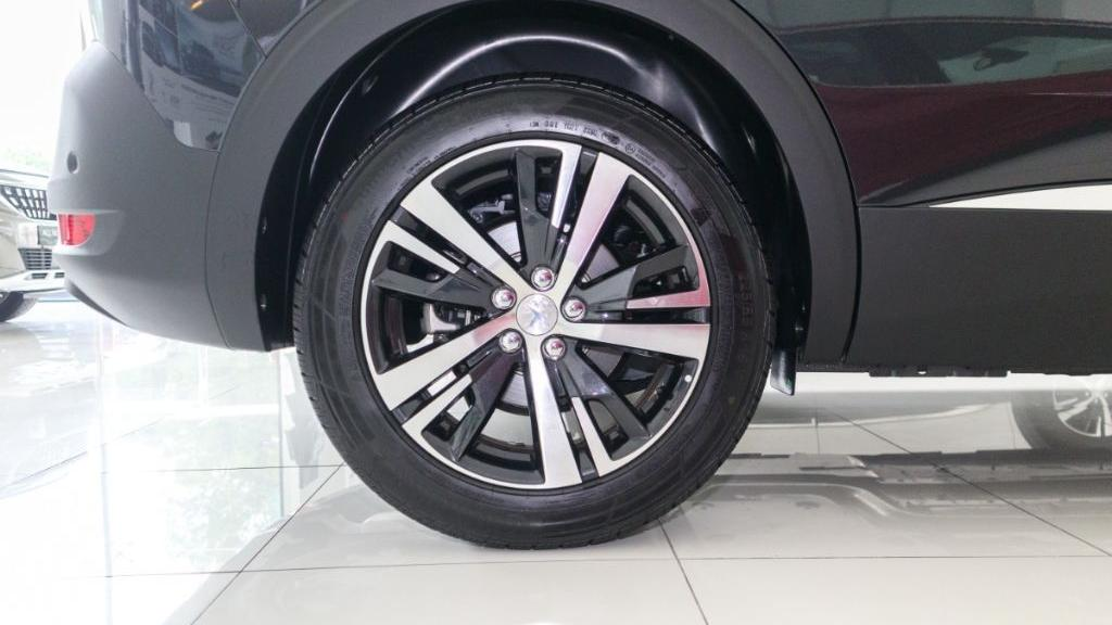 Peugeot 5008 2019 Exterior 023
