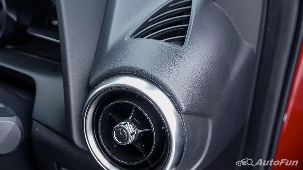 Mazda 2 GT AT Interior 050