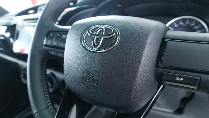 Toyota Hilux 2019 Interior 006