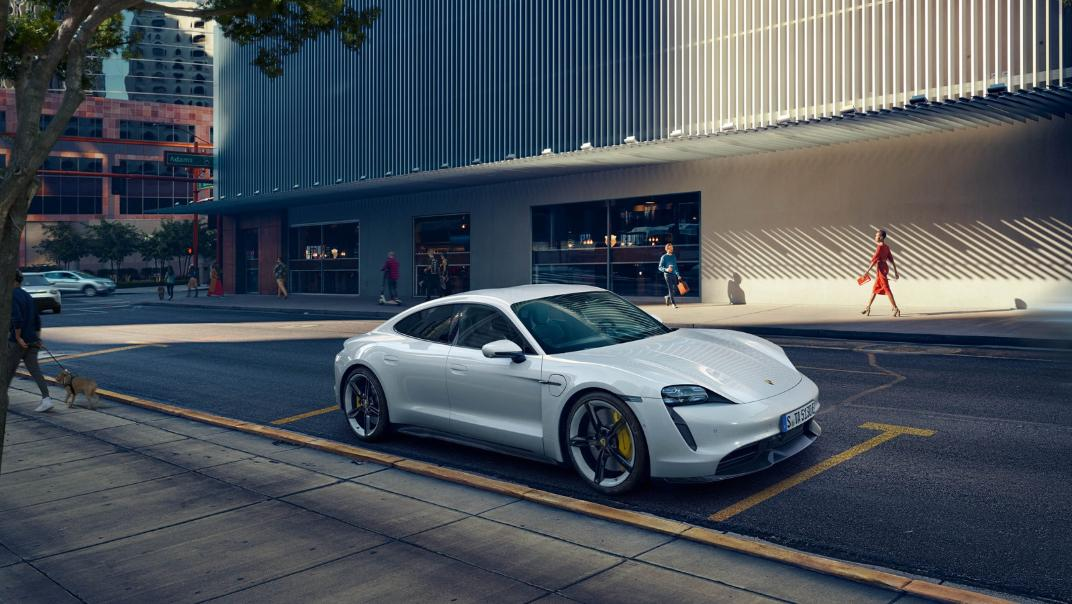 2021 Porsche Taycan Exterior 009