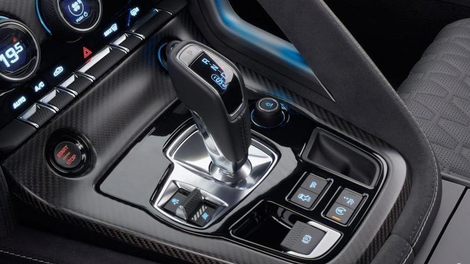 Jaguar F-TYPE 2019 Interior 011