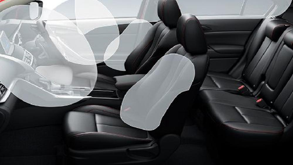 Mitsubishi Eclipse Cross 2019 Interior 003