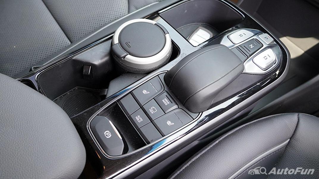 2021 Hyundai Ioniq Electric Interior 002