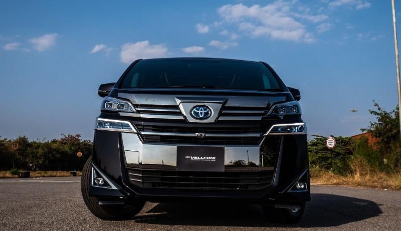 Review Toyota Vellfire: MPV Premium Dengan Segudang Fitur Canggih 02
