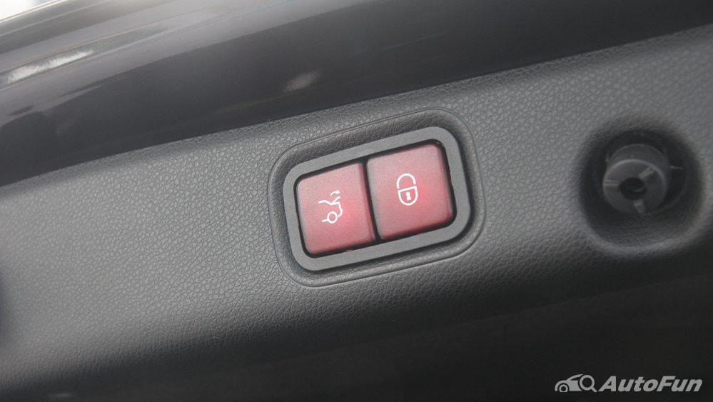 Mercedes-Benz E-Class 2019 Interior 052