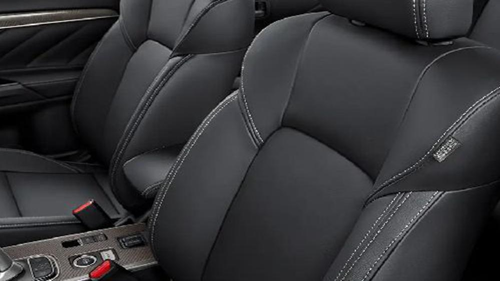 Mitsubishi Outlander PHEV 2019 Interior 004