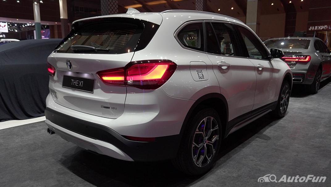 2021 BMW X1 Exterior 003