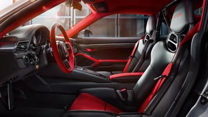 Porsche 911 2019 Interior 002