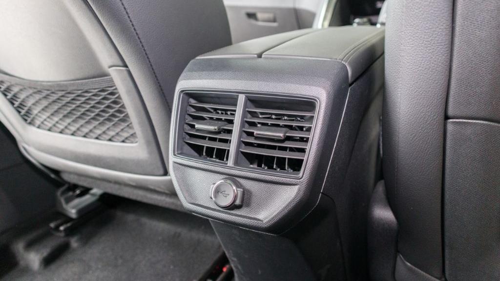 Peugeot 3008 2019 Interior 032