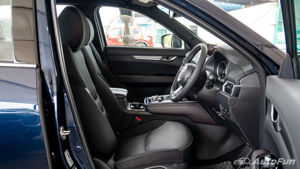 Mazda CX 8 2019 Interior 017