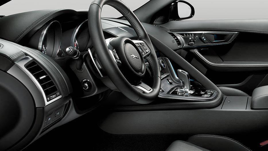 Jaguar F-TYPE 2019 Interior 023