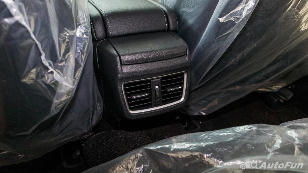 Honda Civic 2019 Interior 044