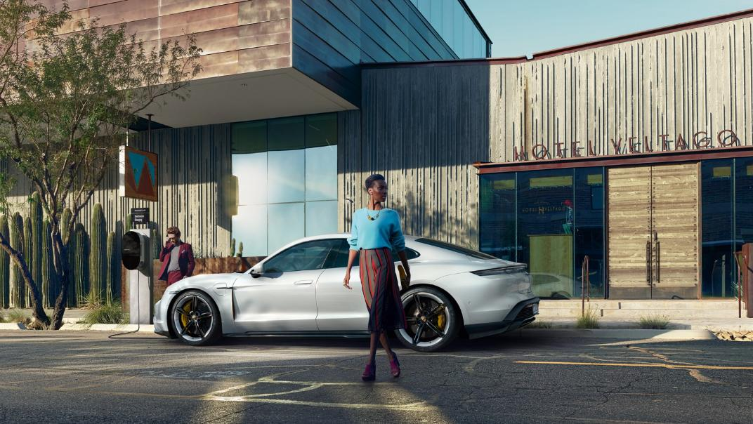 2021 Porsche Taycan Exterior 011