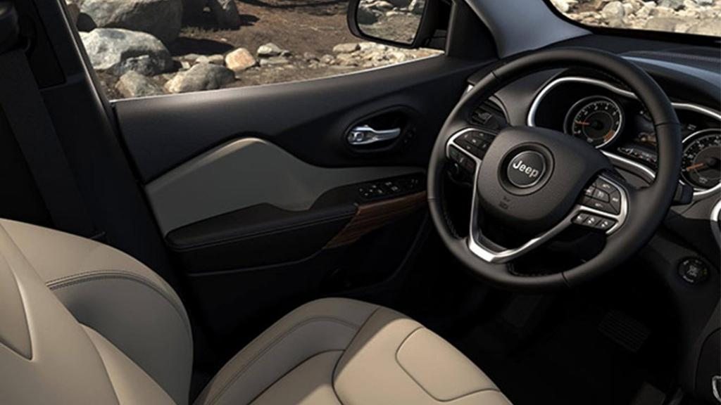 Jeep Cherokee 2019 Interior 004