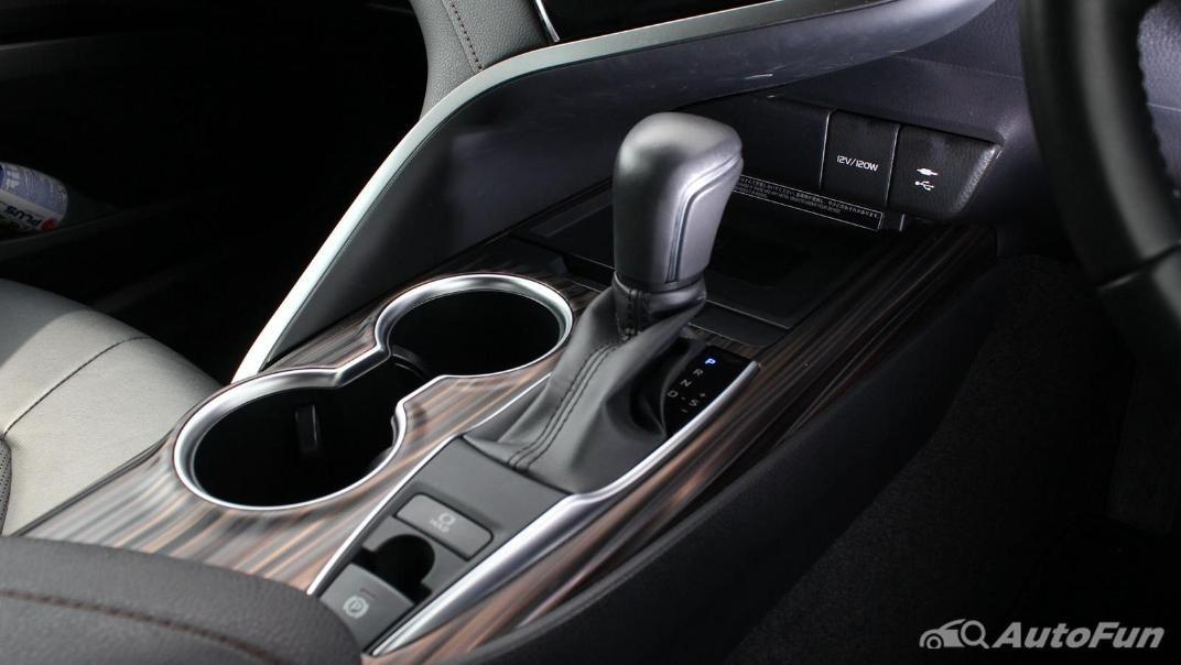 Toyota Camry 2019 Interior 048