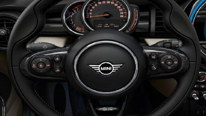 MINI Convertible 2019 Interior 003