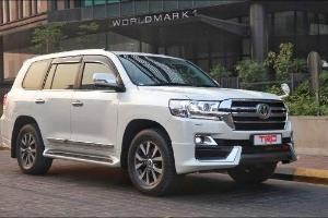 Perbandingan Pengalaman Berkendara Toyota Land Cruiser dan Land Rover Range Rover Velar