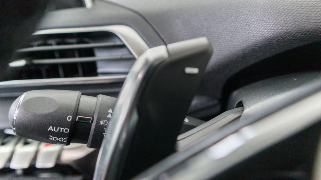 Peugeot 5008 2019 Interior 012