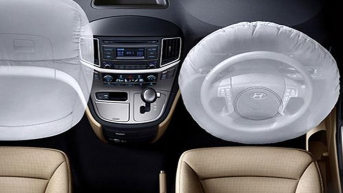 Hyundai Starex 2019 Interior 002