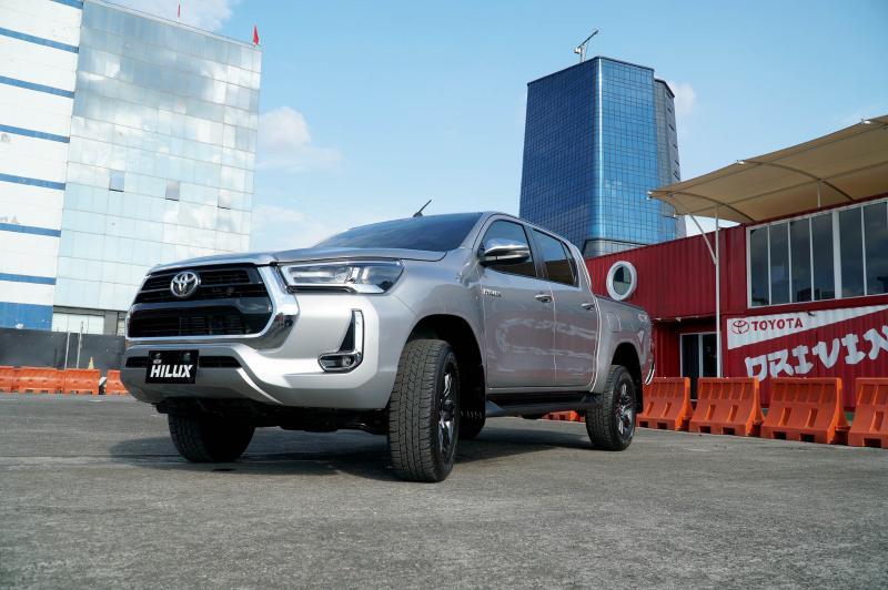 Mana Pikap Double Cabin Paling Tangguh, Toyota Hilux atau Mitsubishi Triton? 02