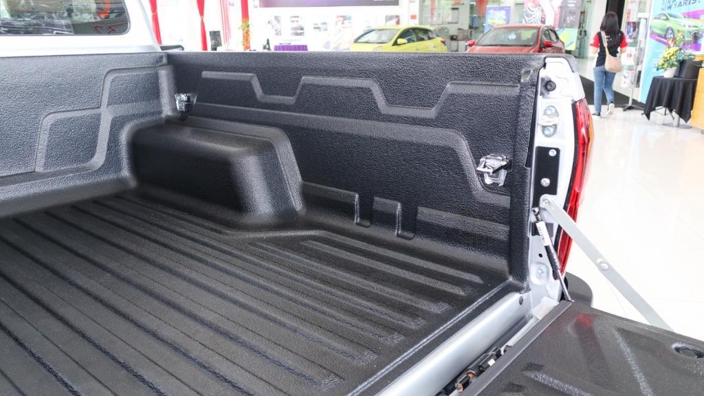 Toyota Hilux 2019 Interior 041