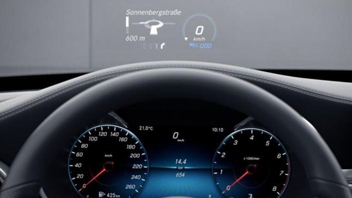 Mercedes-Benz C-Class 2019 Interior 002