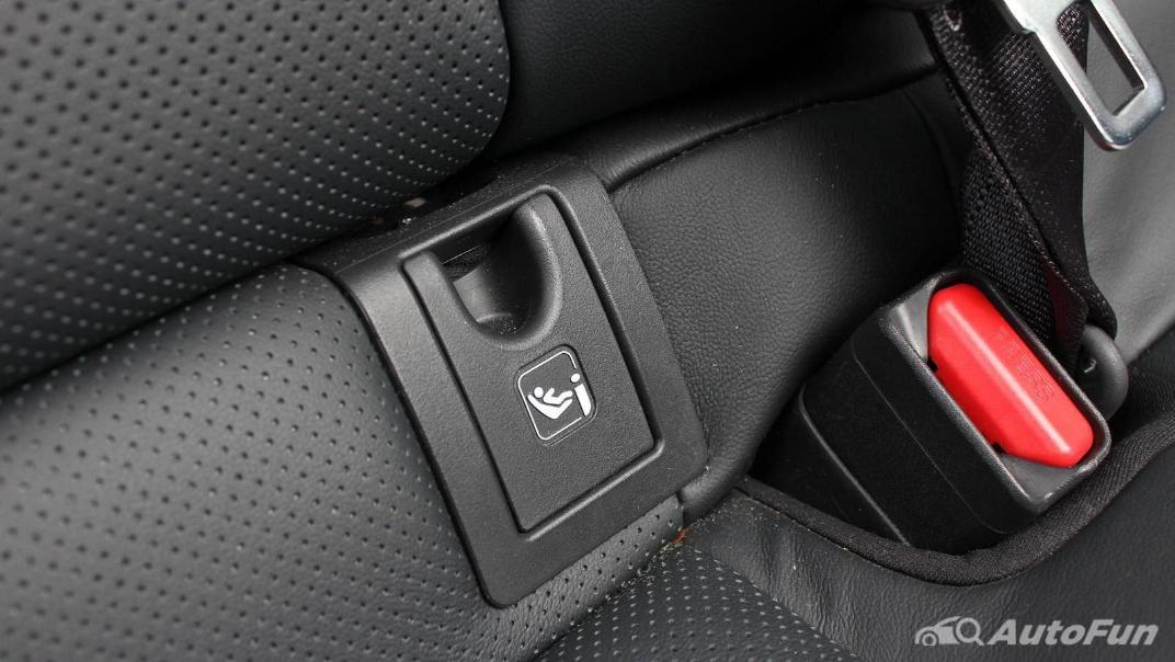 Toyota Camry 2019 Interior 075