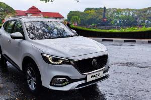 Buka Dealer di Malang, MG Pamer Teknologi Semi Otonom di MG HS i-SMART