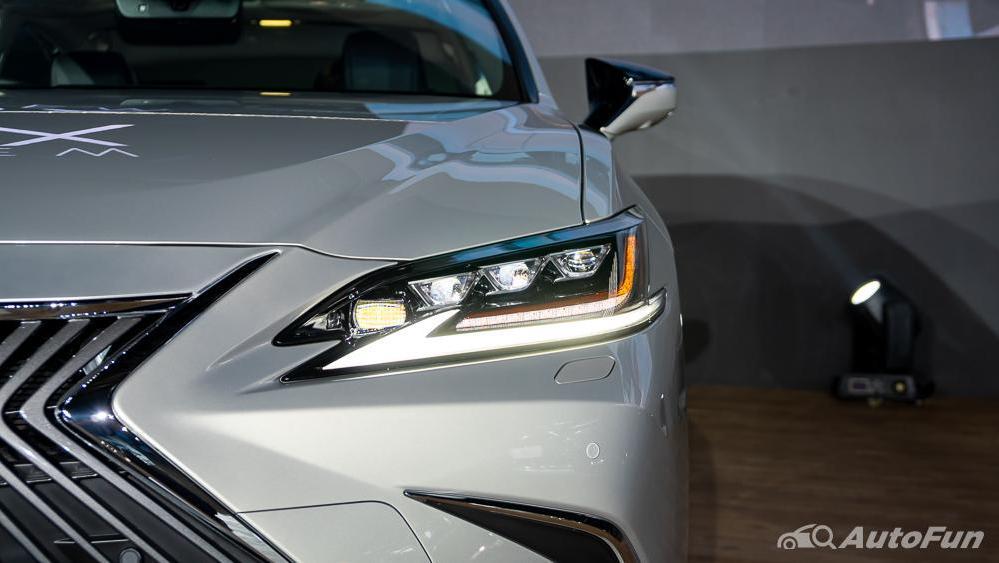 Lexus ES 2019 Exterior 018