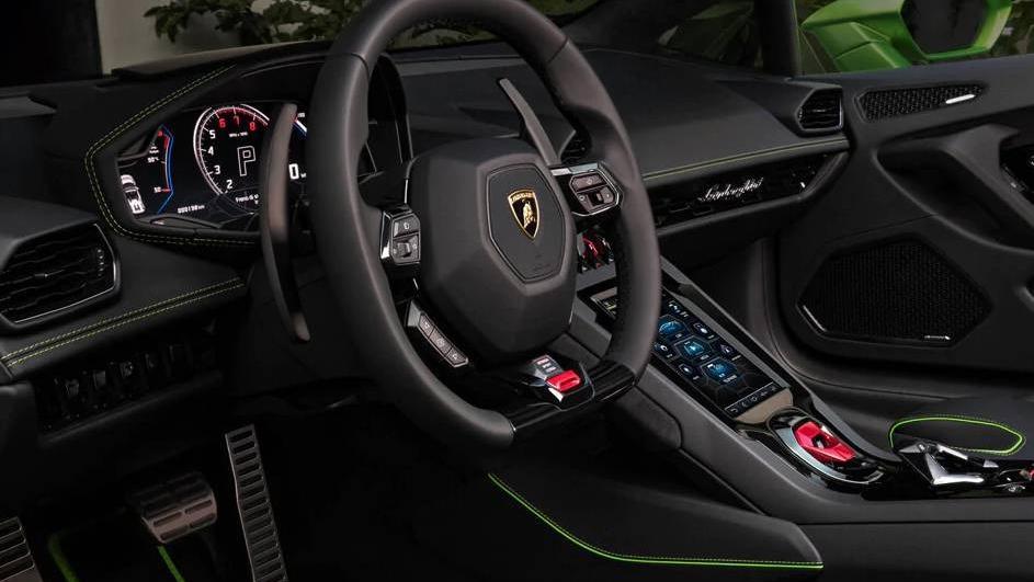 Lamborghini Huracan 2019 Interior 002
